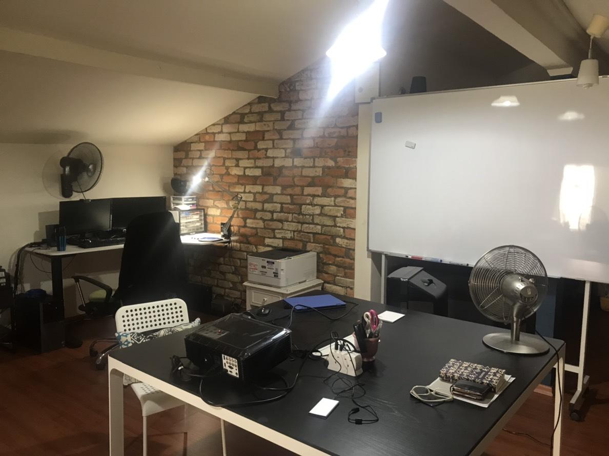 事務所(屋根裏)